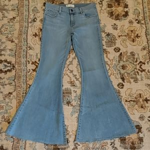 Free people bell bottom jeans size 31 light wash